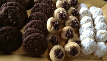 cookies-on-tray