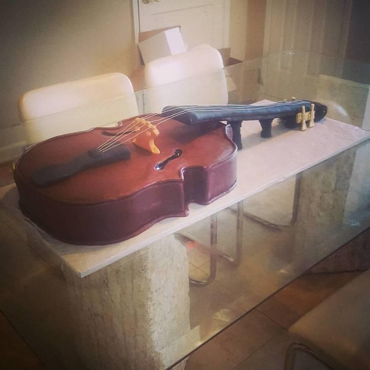 Custom Violin Cake
